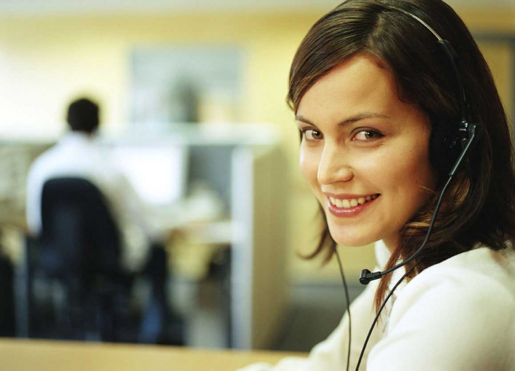 Virtual assistant in a call center